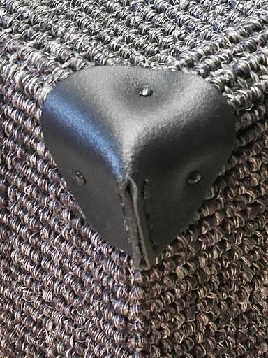 kratzbaum online shop kratzbaum dome zubeh r 4 lederecken schwarz. Black Bedroom Furniture Sets. Home Design Ideas